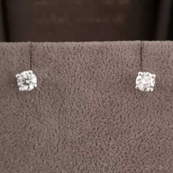 0.47 Carat Round Brilliant Cut Diamond Stud Earrings