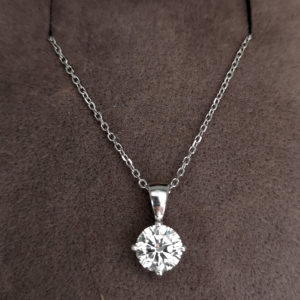 0.90 Carat Diamond Pendant & White Gold Chain