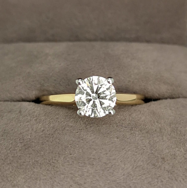 1.02 Carat Round Brilliant Cut Diamond Solitaire Yellow Gold Ring