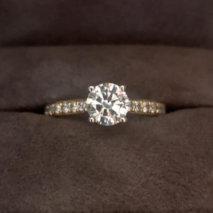 1.03 Carat Round Brilliant Cut Diamond Ring with Diamond Shoulders